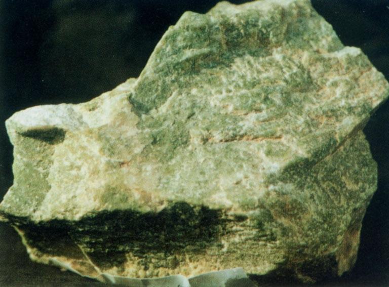 Hami emerald china m rmol verde claro piedra marm rea crema for Marmol verde claro