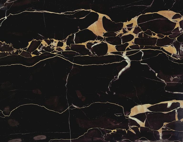 Portoro italia m rmol negro muy oscuro piedra veteada for Marmol negro veteado