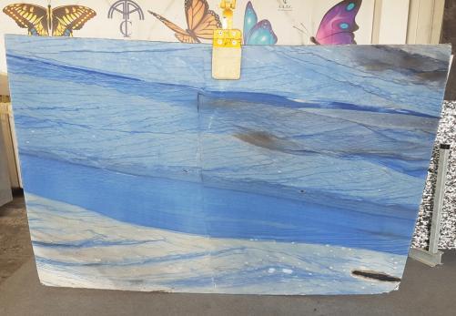 Suministro planchas pulidas 2 cm en mármol natural AZUL MAKAUBA AA U0247. Detalle imagen fotografías