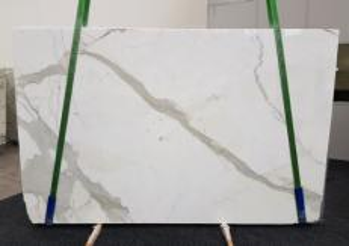 Suministro planchas pulidas 3 cm en mármol natural CALACATTA GL 1108. Detalle imagen fotografías