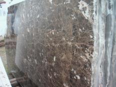 Suministro planchas pulidas 2 cm en mármol natural EMPERADOR OSCURO E-O502. Detalle imagen fotografías