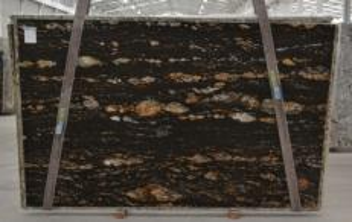 Suministro planchas pulidas 3 cm en granito natural MAGMA BQ01825. Detalle imagen fotografías