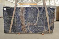 Suministro planchas pulidas 1.2 cm en granito natural AFRICAN LAPIS LAZULI #BQ02285. Detalle imagen fotografías