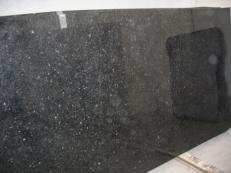 Suministro planchas pulidas 2 cm en granito natural ANGOLA BLACK SILVER CV_ASB25. Detalle imagen fotografías