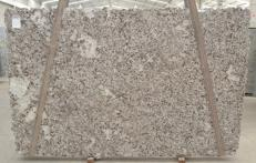 Suministro planchas pulidas 1.2 cm en granito natural BIANCO ANTICO BQ02188. Detalle imagen fotografías