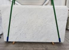 Suministro planchas pulidas 3 cm en mármol natural BIANCO CARRARA C 1441. Detalle imagen fotografías