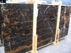 Suministro planchas pulidas 0.8 cm en mármol natural BLACK AND GOLD E-41106. Detalle imagen fotografías
