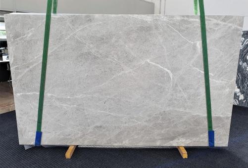 Suministro planchas mates 2 cm en mármol natural BRILLANT GREY 1410. Detalle imagen fotografías