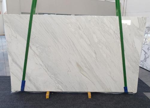 Suministro planchas pulidas 2 cm en mármol natural CALACATTA CREMO 1263. Detalle imagen fotografías