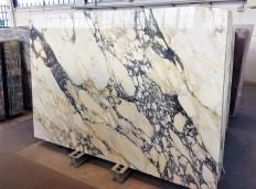 Suministro planchas pulidas 0.8 cm en mármol natural CALACATTA FIORITO Z0052. Detalle imagen fotografías