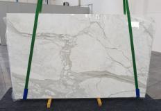 Suministro planchas pulidas 2 cm en mármol natural CALACATTA ORO 1238. Detalle imagen fotografías
