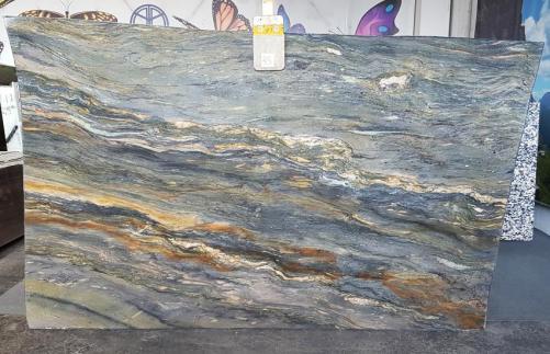 Suministro planchas pulidas 2 cm en granito natural SANTORINI Z0012. Detalle imagen fotografías