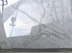 Suministro planchas pulidas 2 cm en mármol natural STATUARIETTO E-O414. Detalle imagen fotografías