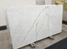 Suministro planchas pulidas 0.8 cm en mármol natural STATUARIO VENATO GL 1109. Detalle imagen fotografías