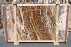 Suministro planchas pulidas 0.8 cm en travertino natural TRAVERTINO ONICIATO E_15188. Detalle imagen fotografías