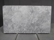 Suministro planchas mates 2 cm en mármol natural TUNDRA GREY 1725M. Detalle imagen fotografías