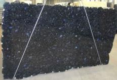 Suministro planchas pulidas 0.8 cm en labradorita natural VOLGA BLUE CVVOBL25. Detalle imagen fotografías