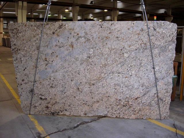 AFRICAN BEIGE Suministro Veneto (Italia) de planchas pulidas en granito natural CV-18734