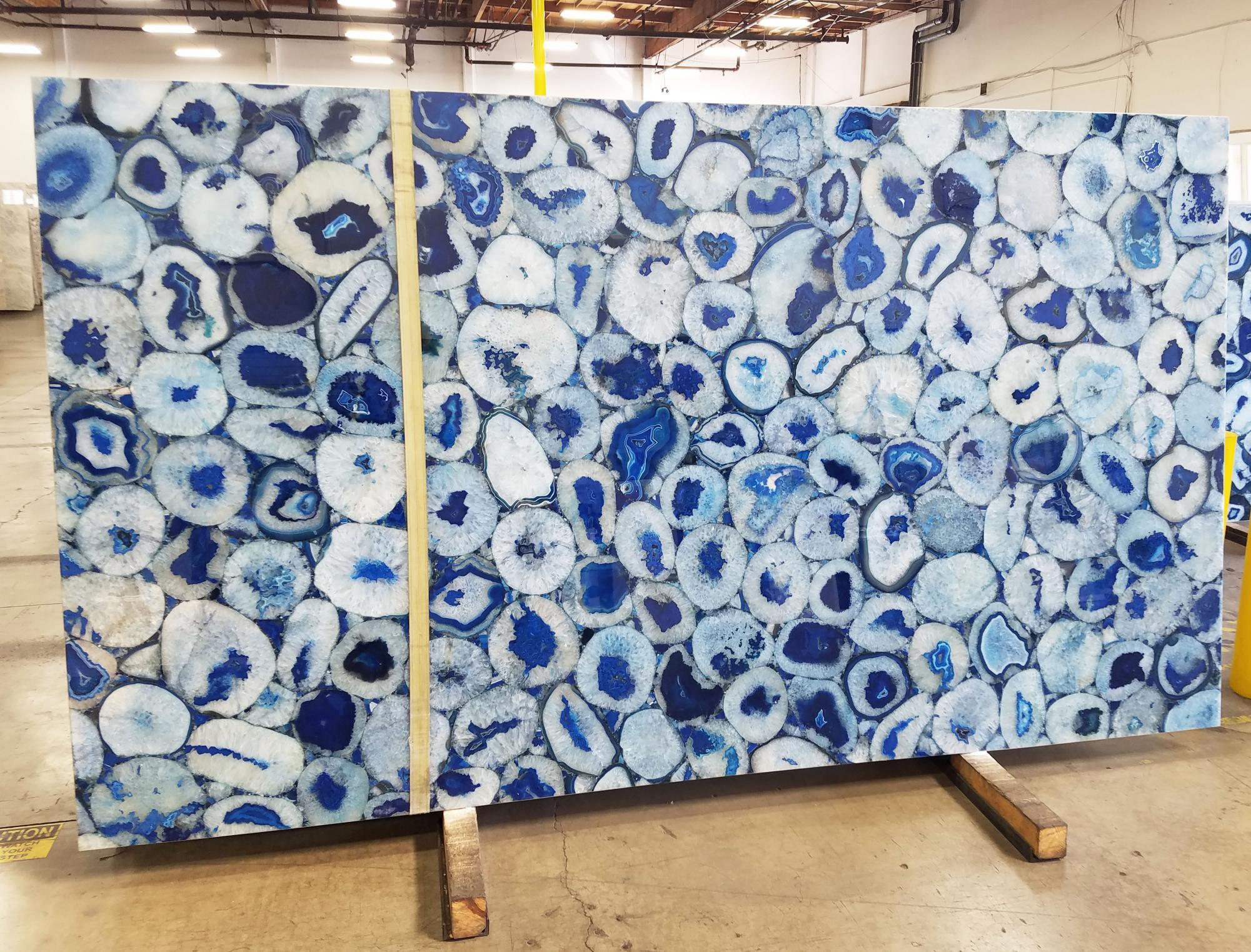 AGATA BLUE Suministro California (Estados Unidos) de planchas pulidas en piedra semi preciosa natural AG-BL18 , Jumbo size