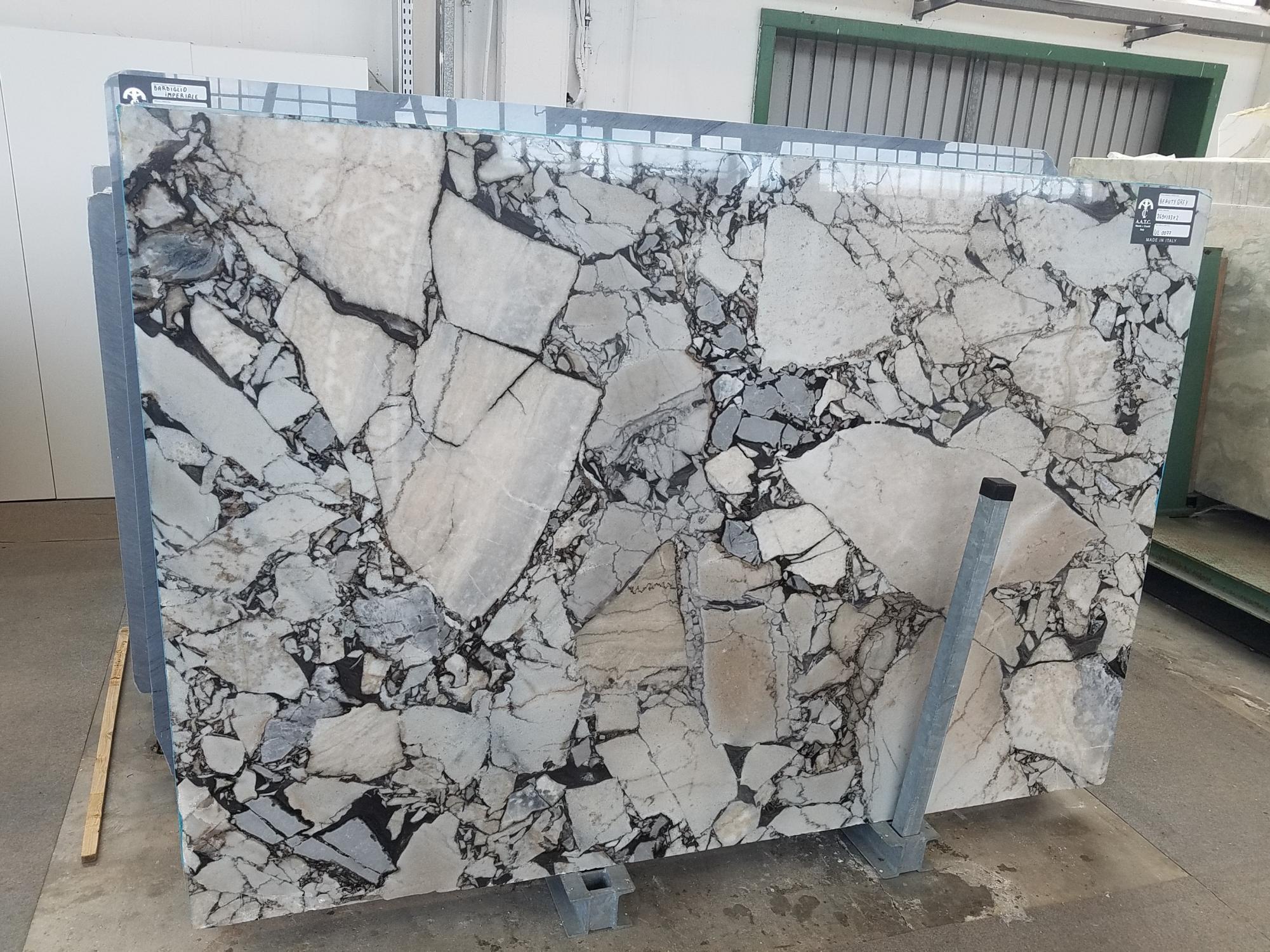 BEAUTY GREY Suministro Veneto (Italia) de planchas pulidas en mármol natural UL0077 , SL2