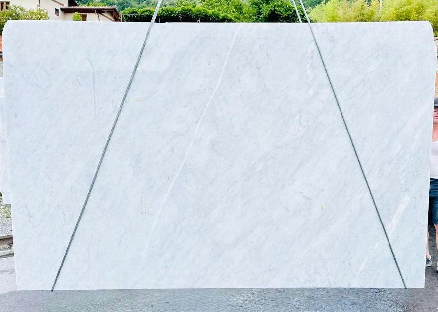 BIANCO CARRARA C Suministro Veneto (Italia) de planchas ásperas en mármol natural D210930 , Bnd08