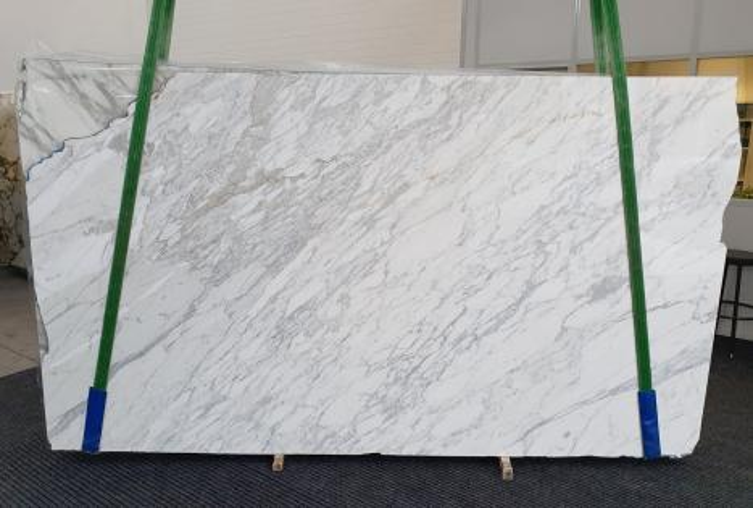CALACATTA CARRARA Suministro (Italia) de planchas pulidas en mármol natural 1295 , Slab #34