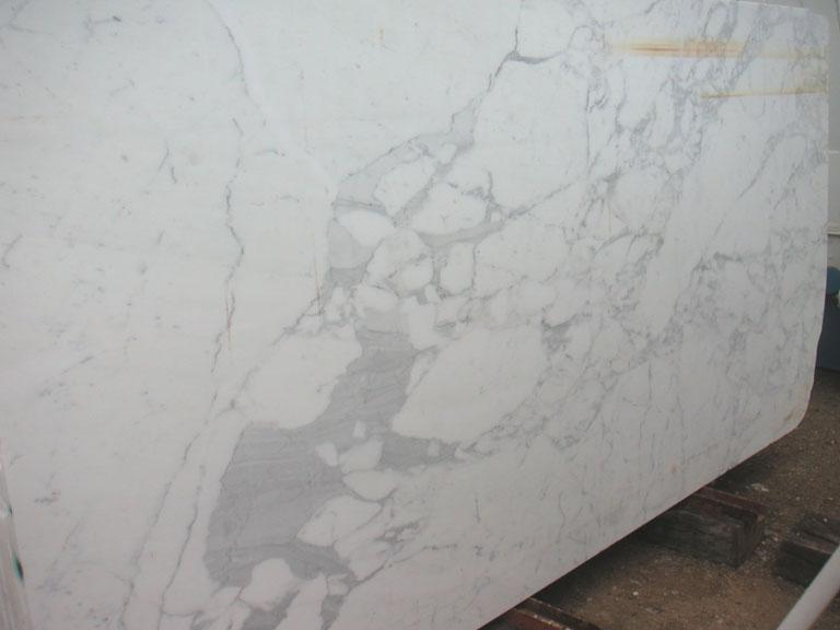 CALACATTA CARRARA Suministro (Italia) de planchas pulidas en mármol natural E-0446