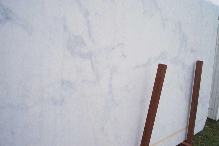 CALACATTA MICHELANGELO Suministro (Italia) de planchas al corte en mármol natural E-B12304