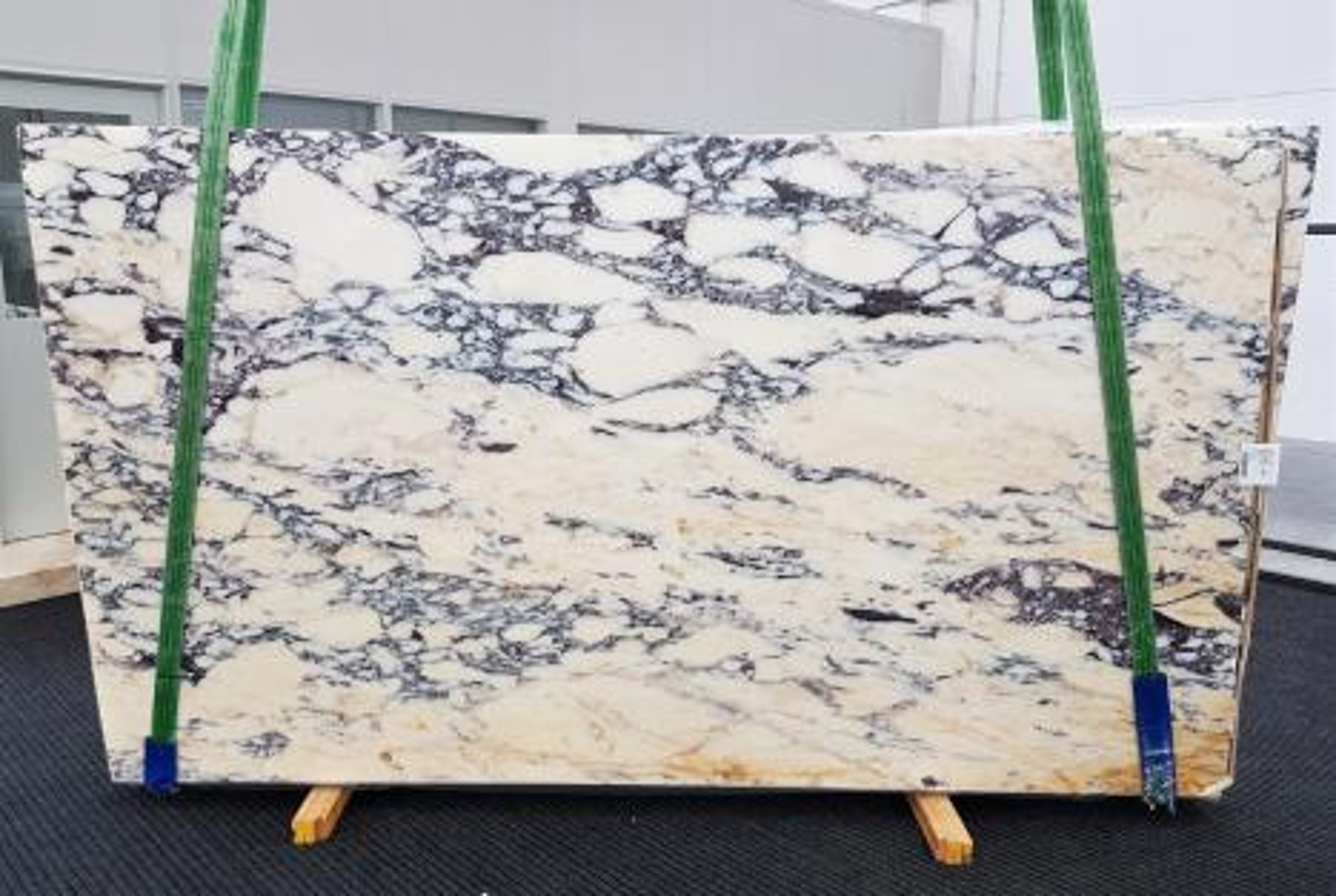 CALACATTA MONET Suministro Veneto (Italia) de planchas pulidas en mármol natural 1371 , Slab #31