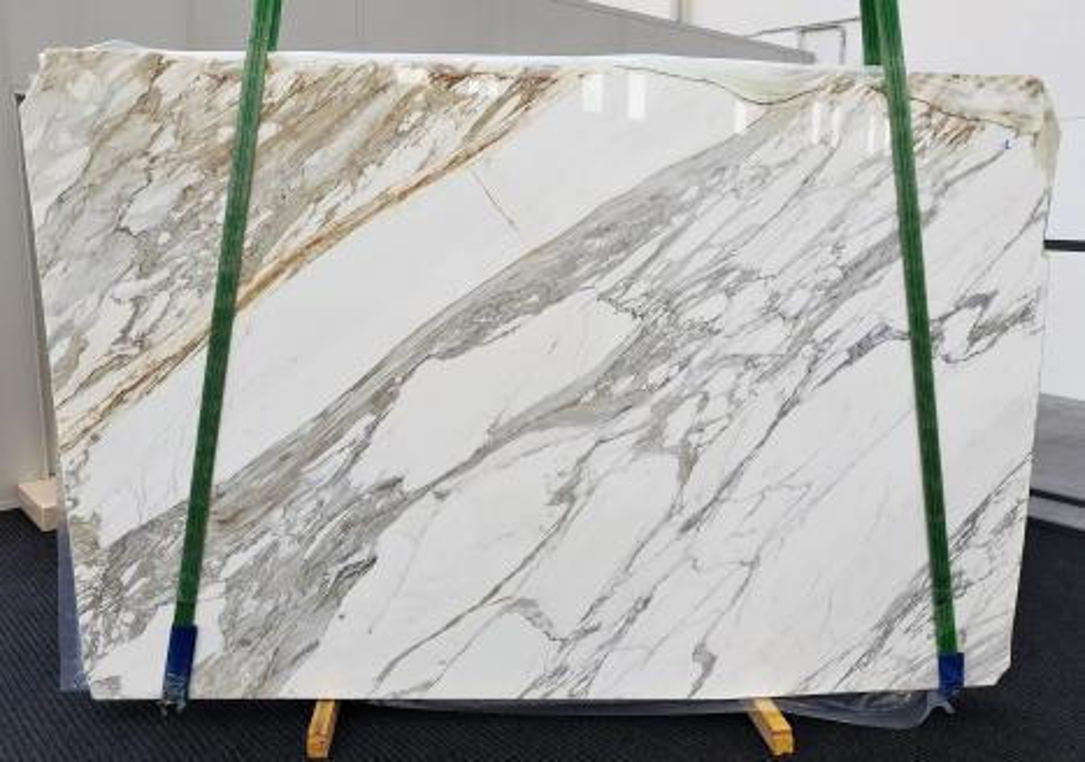 CALACATTA Suministro Veneto (Italia) de planchas pulidas en mármol natural 1344 , A - slab #01