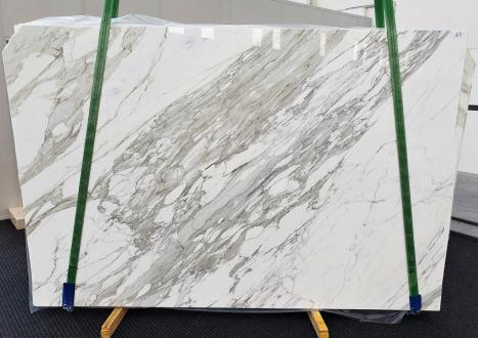 CALACATTA Suministro Veneto (Italia) de planchas pulidas en mármol natural 1344 , C - slab #17
