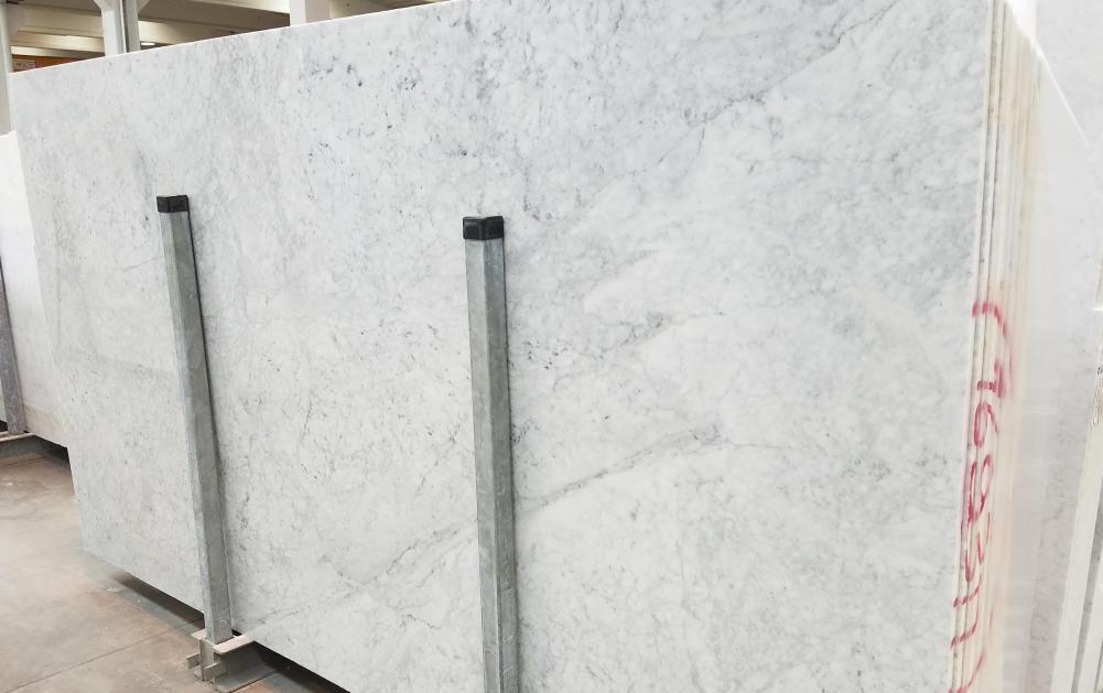 CARRARA Suministro Veneto (Italia) de planchas pulidas en mármol natural 1693M , SL2CM