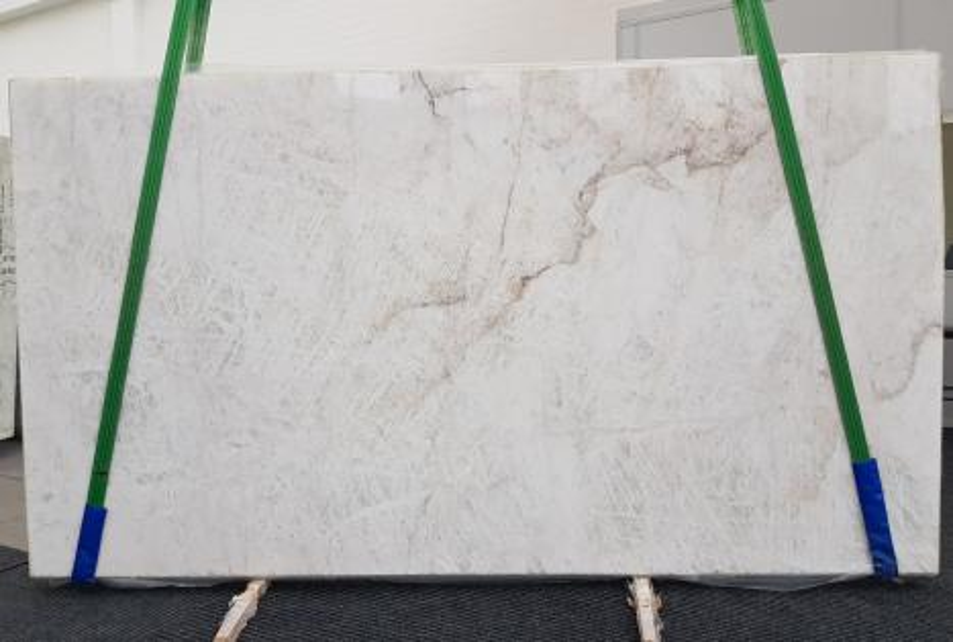 CRISTALLO Suministro Veneto (Italia) de planchas mates en cuarcita natural 1163 , Slab #01