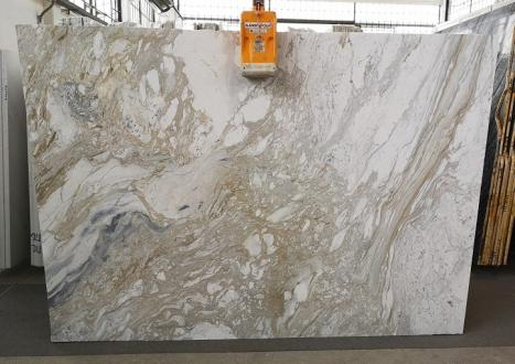 GOLDEN CALACATTA Suministro Veneto (Italia) de planchas pulidas en mármol natural U0403A , SL2CM