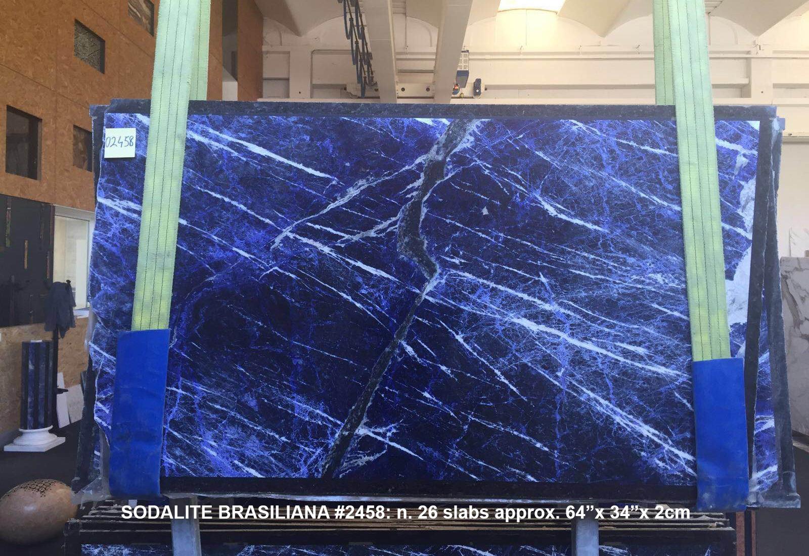 SODALITE Suministro Verona (Italia) de planchas pulidas en mármol natural AA 2458