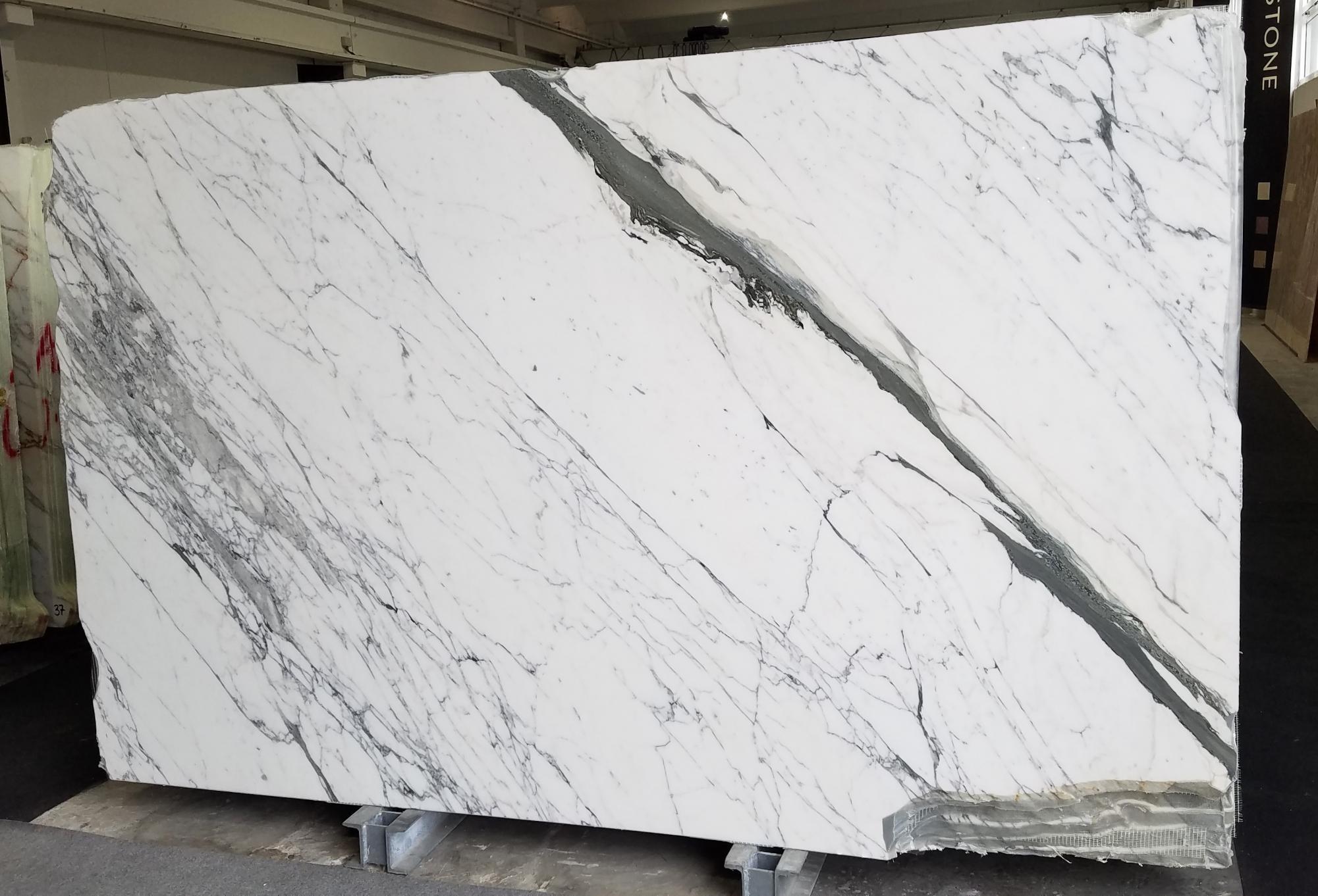 STATUARIO VENATO Suministro Veneto (Italia) de planchas pulidas en mármol natural Z0333 , Slab #65