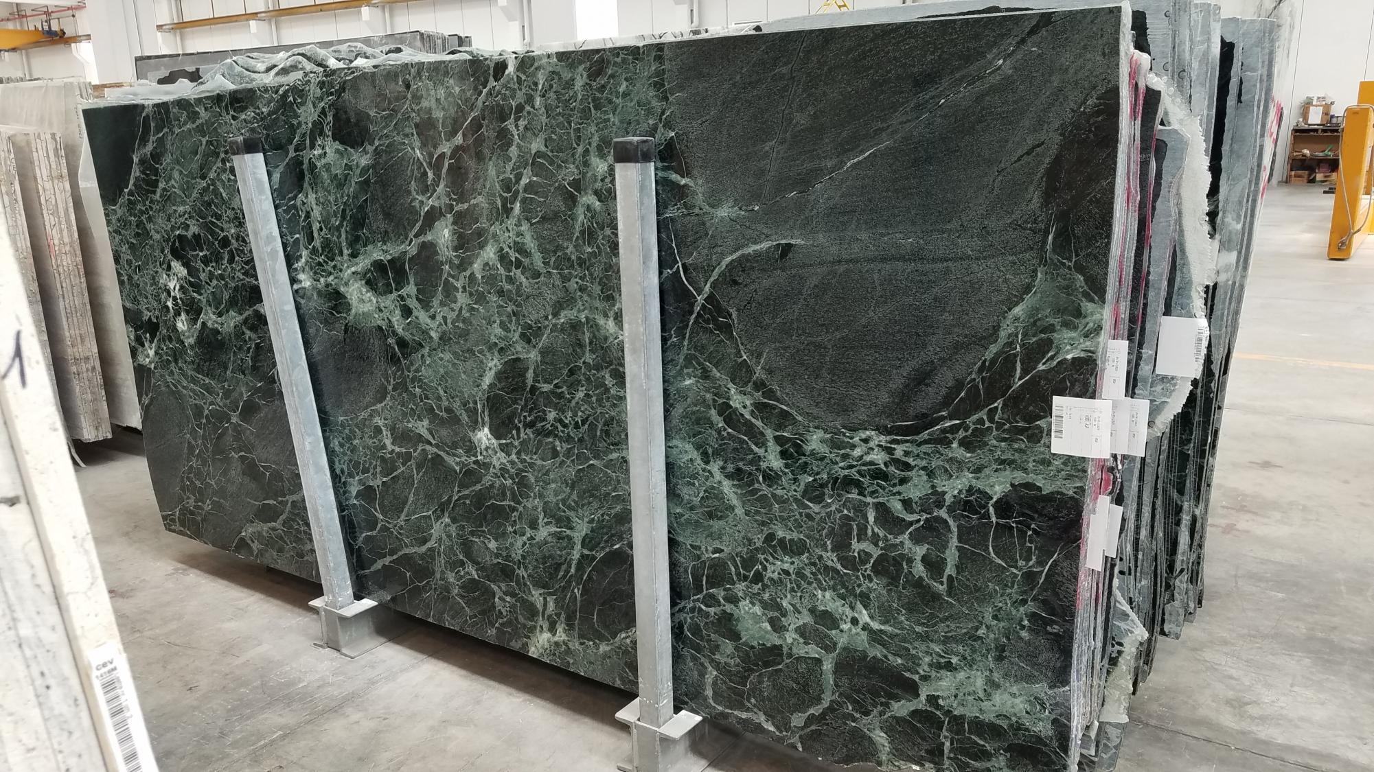 VERDE ALPI Suministro Veneto (Italia) de planchas pulidas en mármol natural 1566M , SL3CM