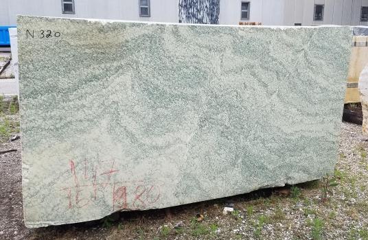 Vert d'Estours 1 bloque mármol francés áspero Face A,  110 x 59 x 64 ˮ piedra natural (disponible a Verona, Italia)