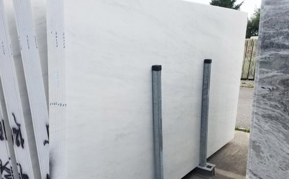 ESTREMOZ BRANCO 52 planchas mármol portugués al corte 125 x 77 x 0.8 ˮ piedra natural (disponibles a Verona, Italia)