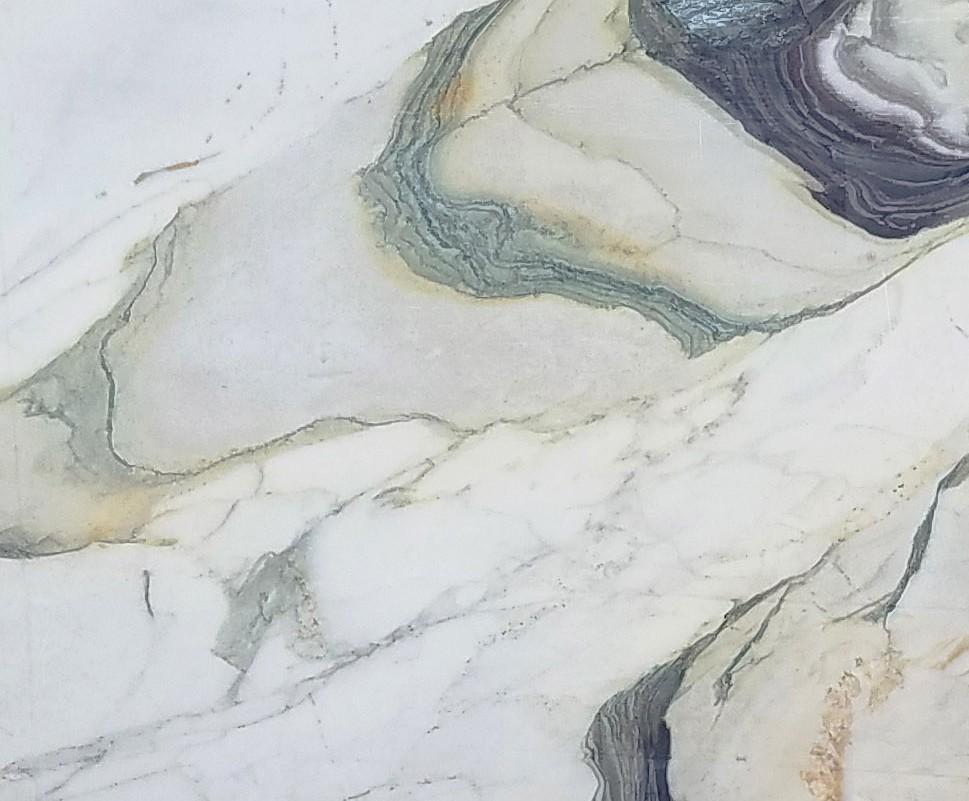 Detallo técnico: CALACATTA FIORITO, mármol natural al corte italiano