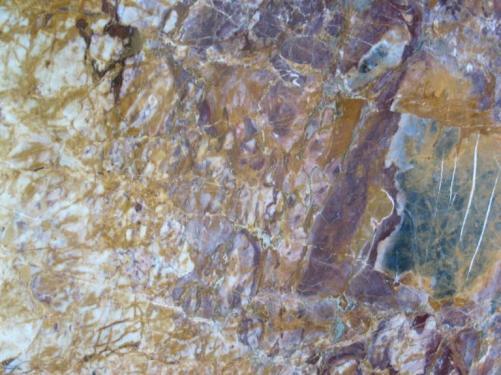 Detallo técnico: BRECCIA VENDOME, mármol natural pulido francés